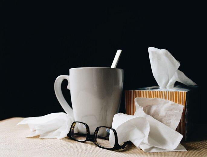Tasse, Taschentücher, Brille