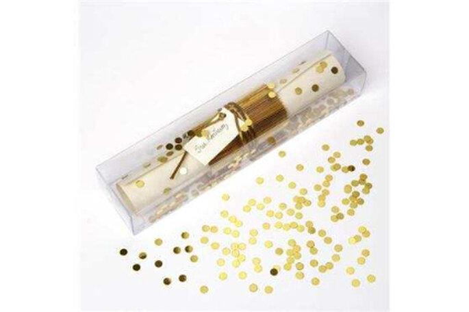 Original invitación en una caja con lunares en oro