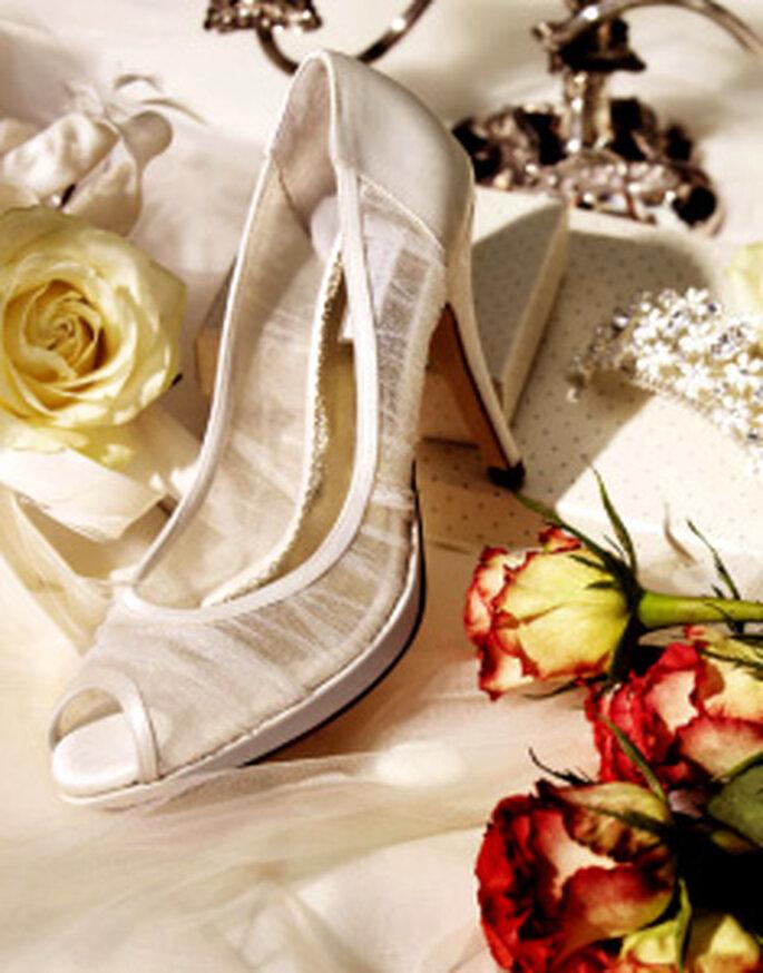 Pronovias accessori 2010 - Scarpe con tacco alto plissettate
