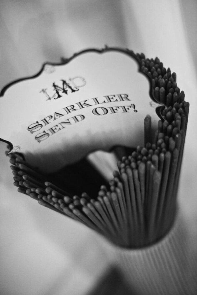 Luces de bengala en tu boda - Foto Garrett Photography