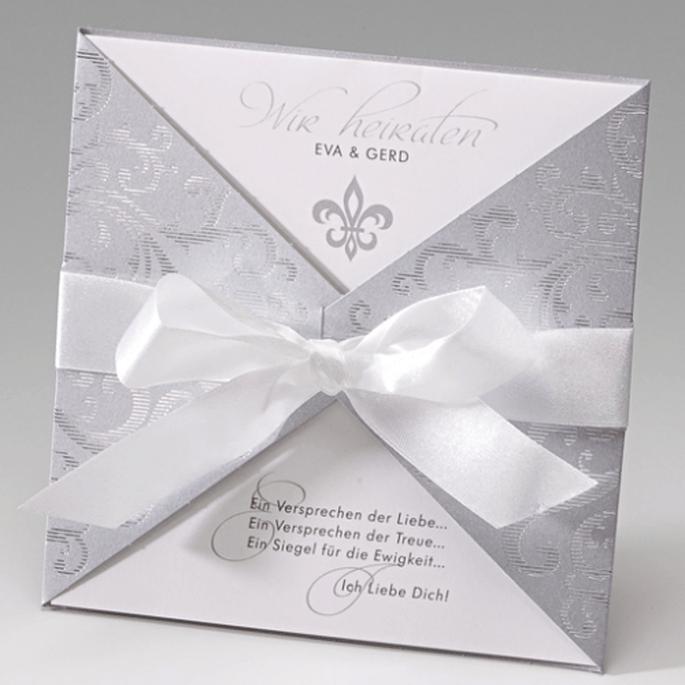 Edle Einladungskarte zu Ihrer Hochzeitsfeier. Foto: Der-Hochzeitskartenshop.de