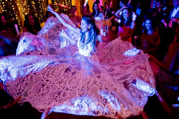 noiva a dançar no seu casamento