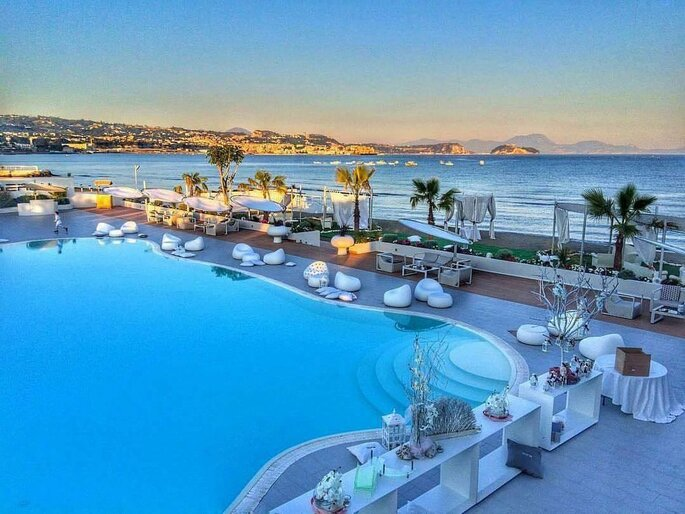 Kora Events - location con piscina, vista mare
