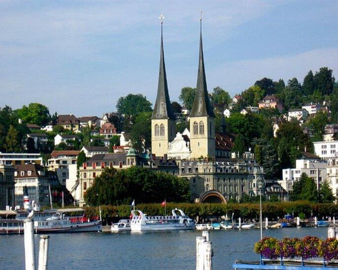 Perfekt für die Hochzeit in Luzern: die Kirche St. Leodegar im Hof. Photo: Lional Rajappa
