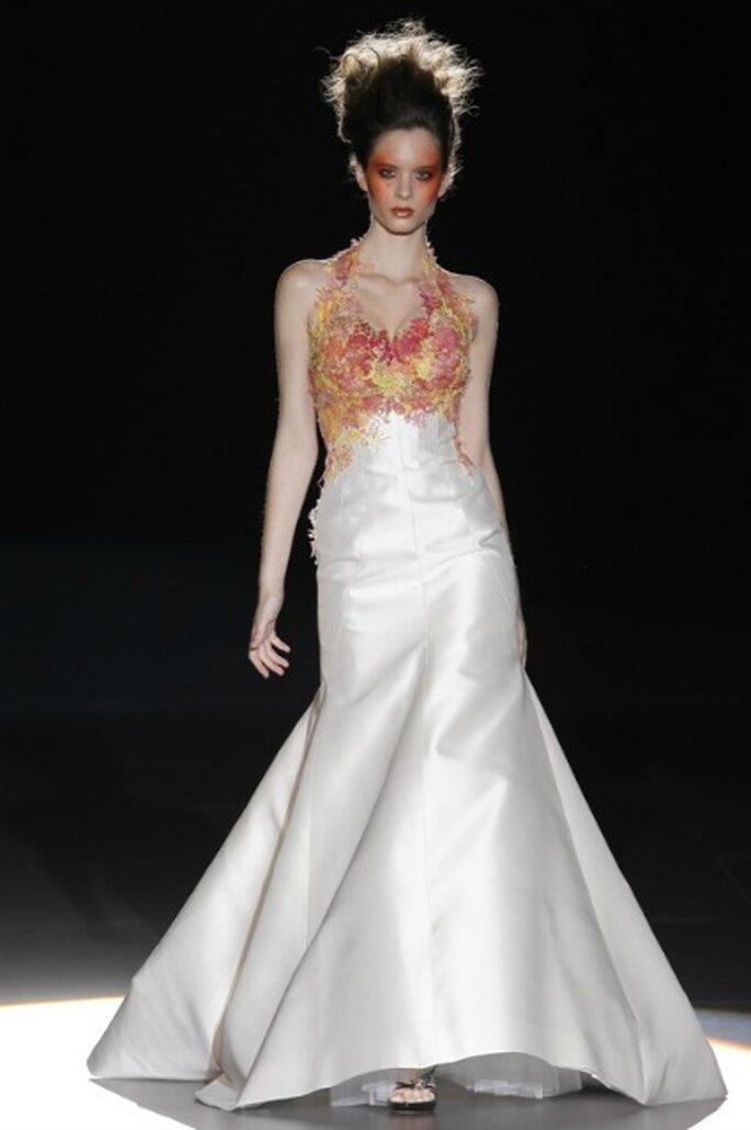 Mezcla de colores en los vestidos totalmente blancos en las novias 2012 de La Bohème 1994 - Ugo Camera / Ifema