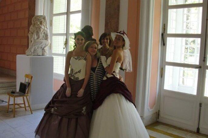 Robes de mariée rouge et marron - Tati 2012
