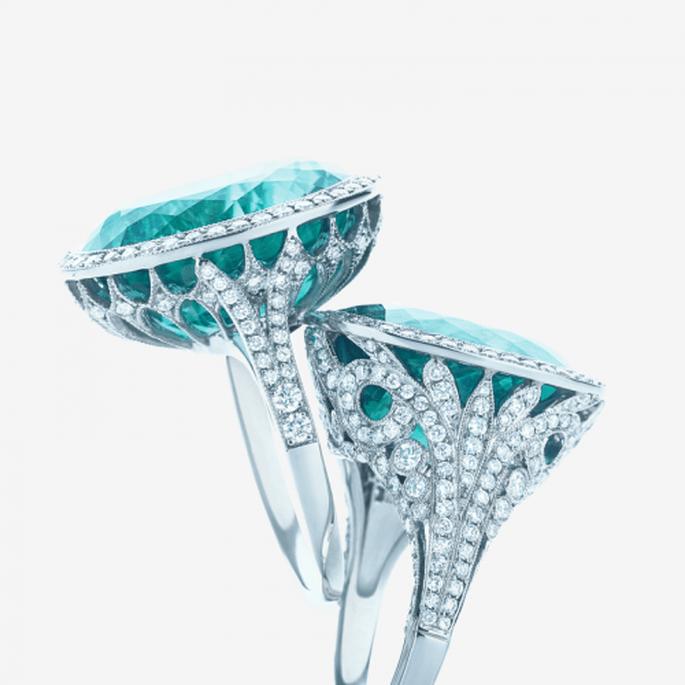 Anillo de diamantes con piedras preciosas en color turquesa para novia - Foto Tiffany & Co.