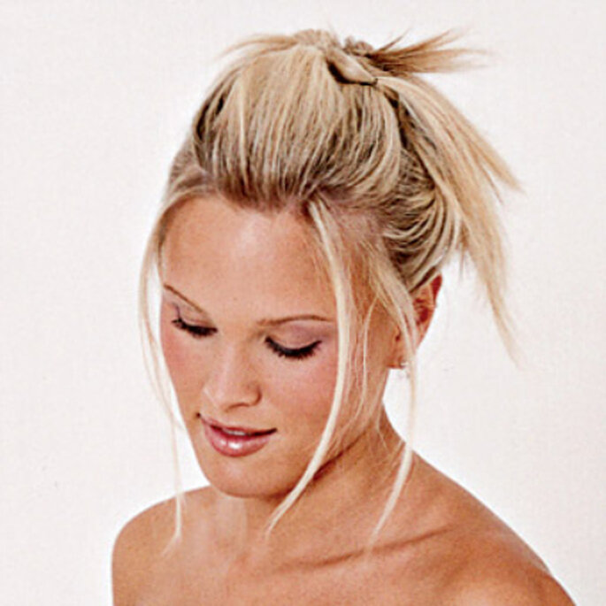 Peinados de novia vanguardista y moderno - www.blogdenovios.blogspot.com