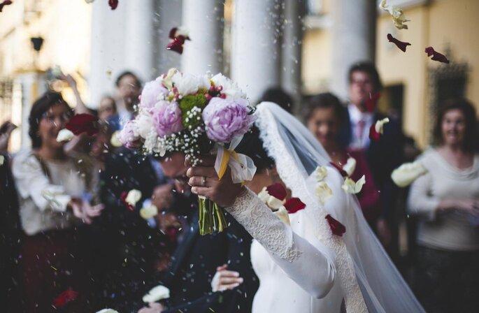 Blumenkinder: Symbolkräftige Romantik auf der Hochzeit