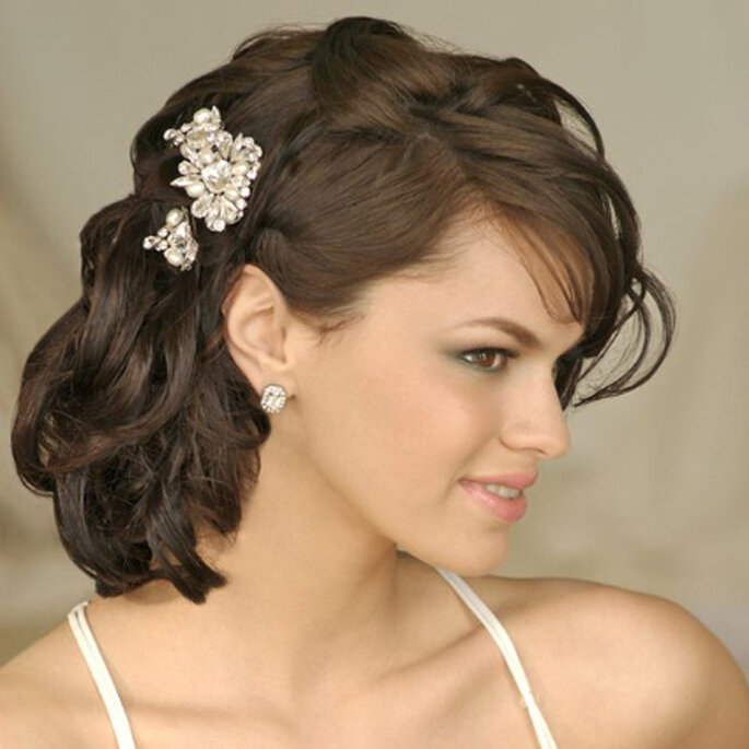 More Picture For wedding hairstyles 2012 medium hair wedding hairstyles 2012.