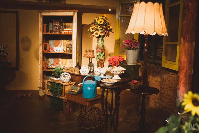 Mesa de casamento rústica e bucólica