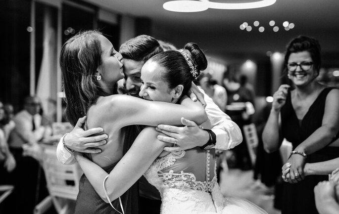 Abraço à noiva