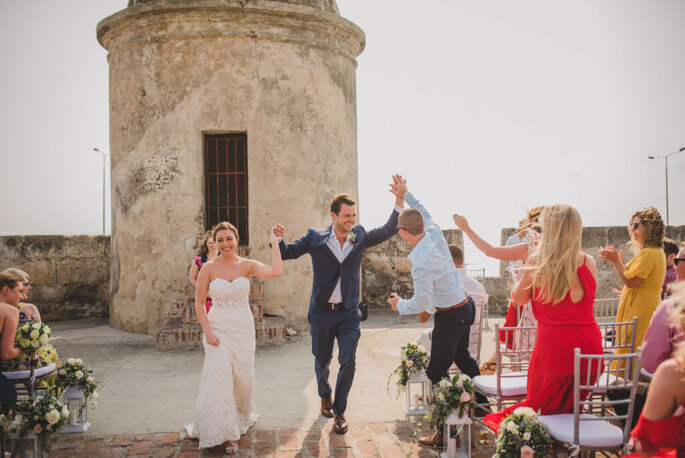 Coral Bodas by Elope to Cartagena Murallas boda