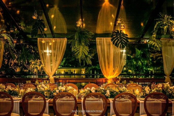 Decoração tropical para casamentos