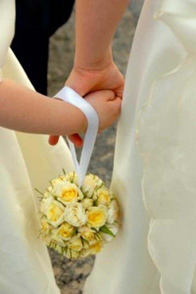 Un bouquet giallo con nastro