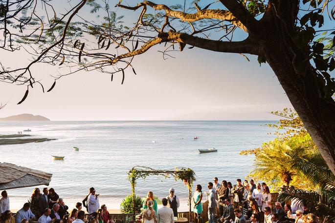 Cerimônia frente ao mar