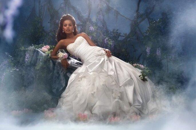 Vestido de novia inspirado en la princesa Tiana - Foto Alfred Angelo