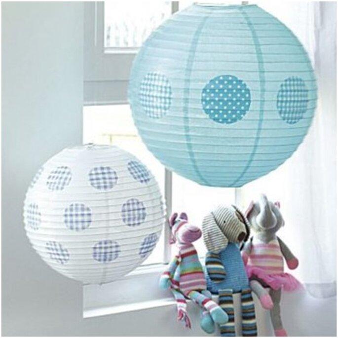 Customiser des boules en papier - Photo : Marie Claire Idées