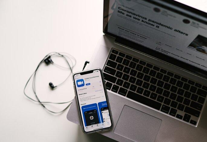 computador e telemóvel