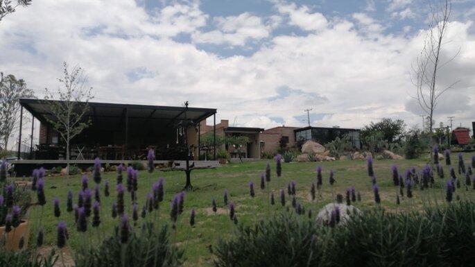 Jardín Suré by Complejo Inda Jani jardines para bodas León