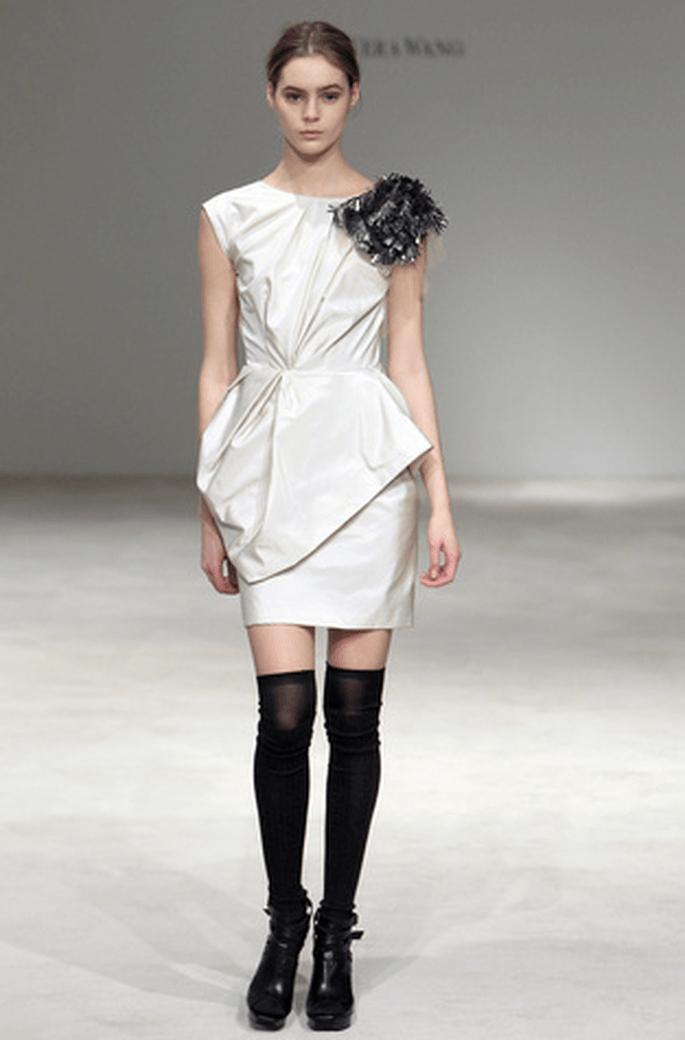 Robes de mari e vera wang 2012 focus sur une collection for Vera wang robes de mariage d hiver