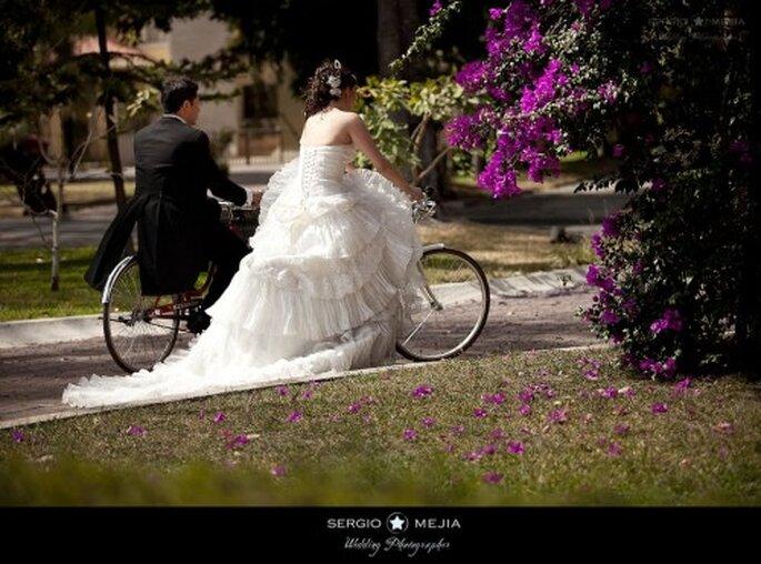 Trash the  Dress en biciceta. Foto de Sergio Mejia