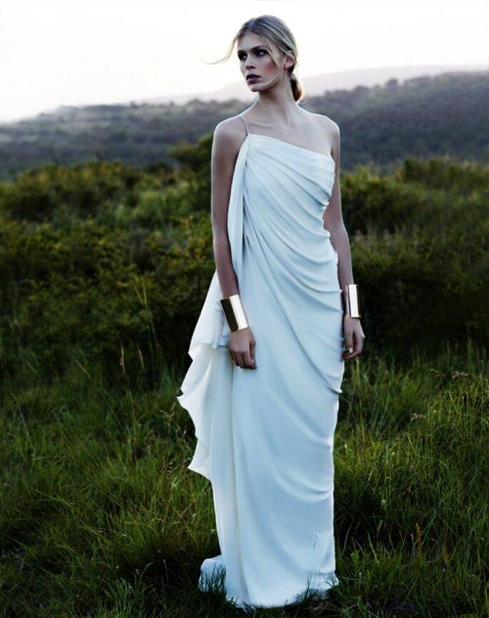 Vestido de novia diagonal de un hombro - Foto Amanda Wakeley