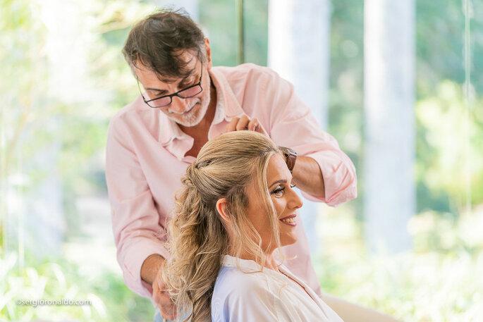 Cabelo e maquiagem da noiva: Robson Costa - Foto: Sérgio Ronaldo Fotografias