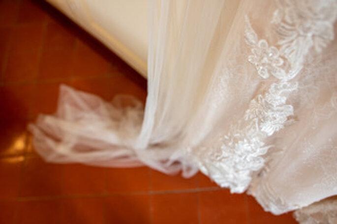 Détail du bas de la robe de la mariée