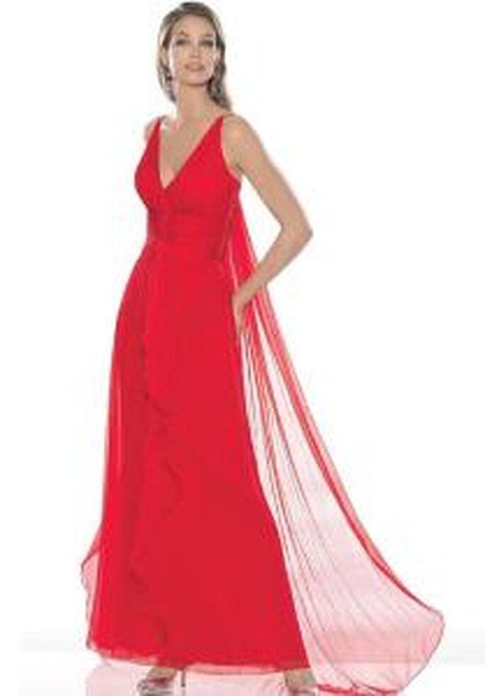 La Sposa 2009 - Vestido rojo largo en muselina con escote en V