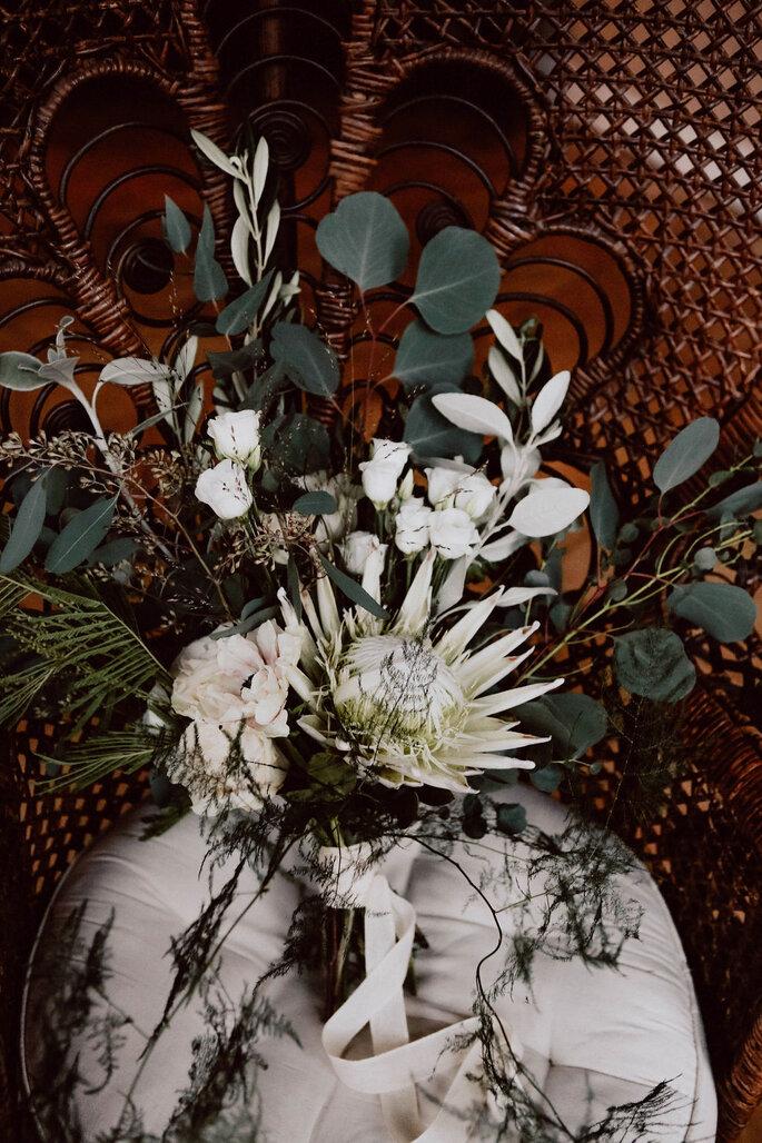 Brautstrauß grün und weiss