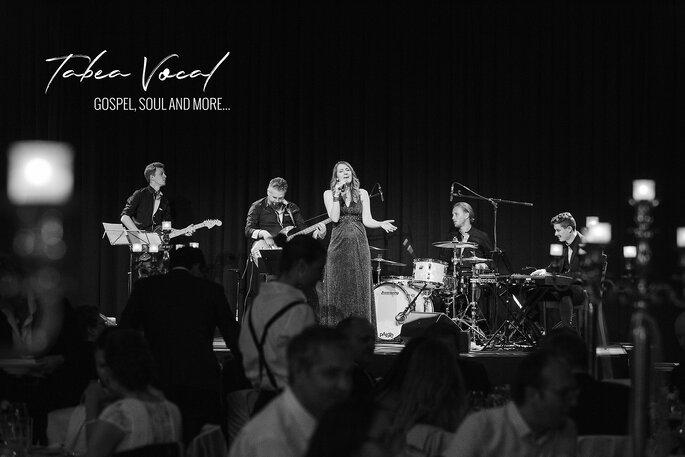 Hochzeitssängerin Tabea Vocal mit Musikerin