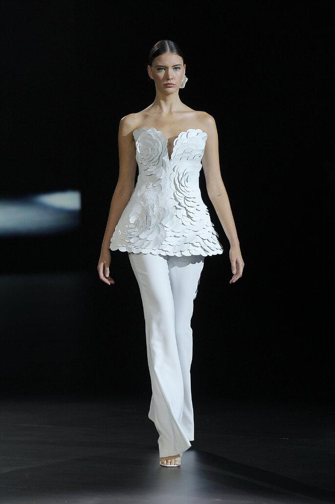 Traje de novia de dos piezas con corset escote corazón