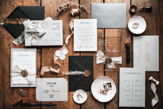 Intime Hochzeit, Eleganz trifft auf rustikalen Flair Papeterie