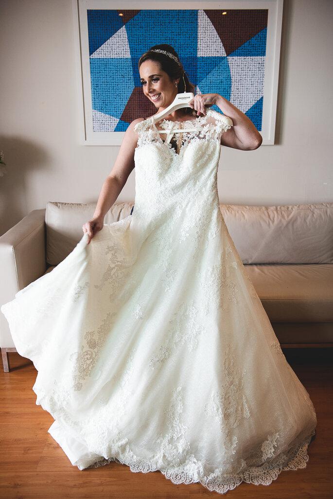 Vestido de noiva: Pronovias - Foto: Peônia Fotografia e Cinema
