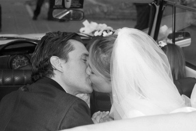 Beso tras su boda en la Toscana