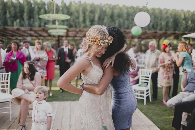 Als perfekte gestylter Hochzeitsgast mit der Braut auf der Tanzfläche. Foto: David de Biasi