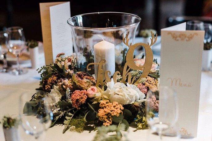 Tischnummern für die Hochzeitsfeier