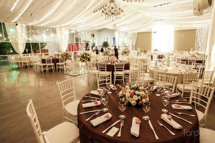 Mesa dos convidados no casamento