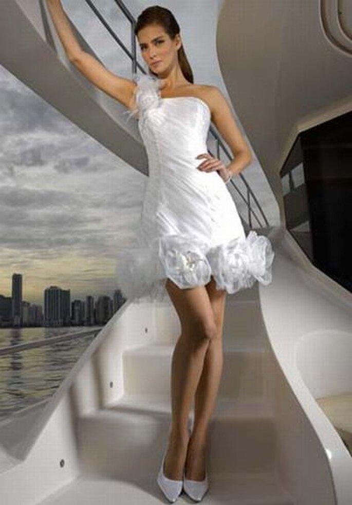 Brautkleid von Divina Sposa DS_112-32 - http://www.thesposagroup.com