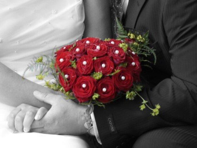 Brautstrauss und Blumendekoration: Fragen, die Sie unbedingt mit dem Floristen klären sollten. Foto: Jan Stockmann / pixelio.de