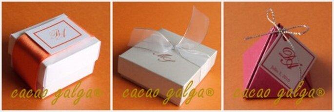 Cajitas con chocolates para recordatorios de boda. Fotos: Cacao Galga