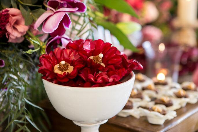 Doces casamento em formas florais