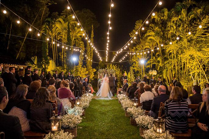 lindo casamento integrado a natureza