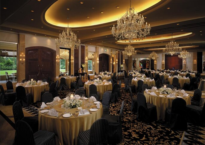 Hotel: Shangri-La.