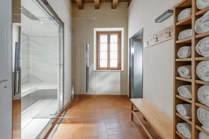 Un spa moderne et chaleureux qui invite à la détente