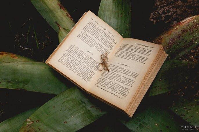 Livro porta alianças