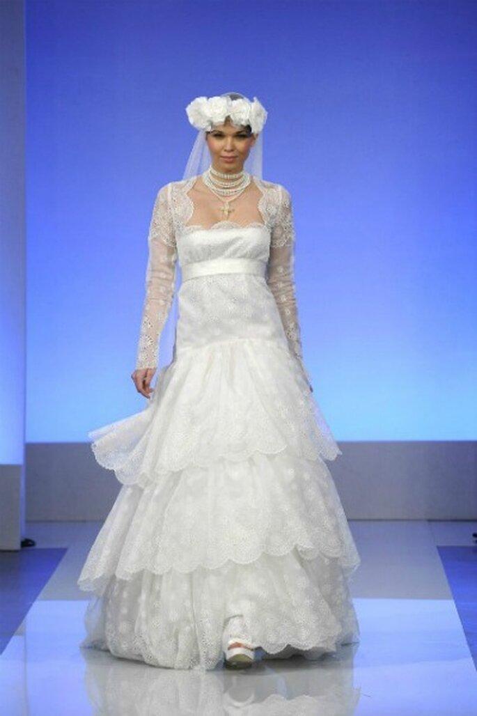 Robe de mariée Cymbeline 2013 La Parisienne, modèle Goya - Photo : Cymbeline