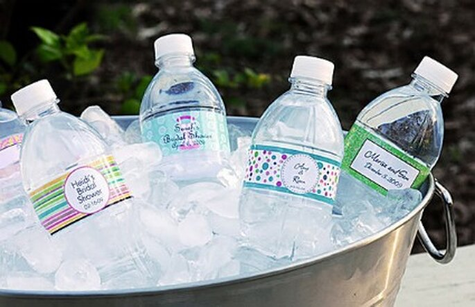 Bouteilles d'eau personnalisées - Ruffledblog