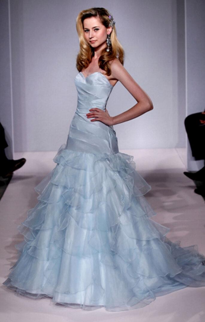 Robe de mariée bleue à volants - Photo Michelle Roth